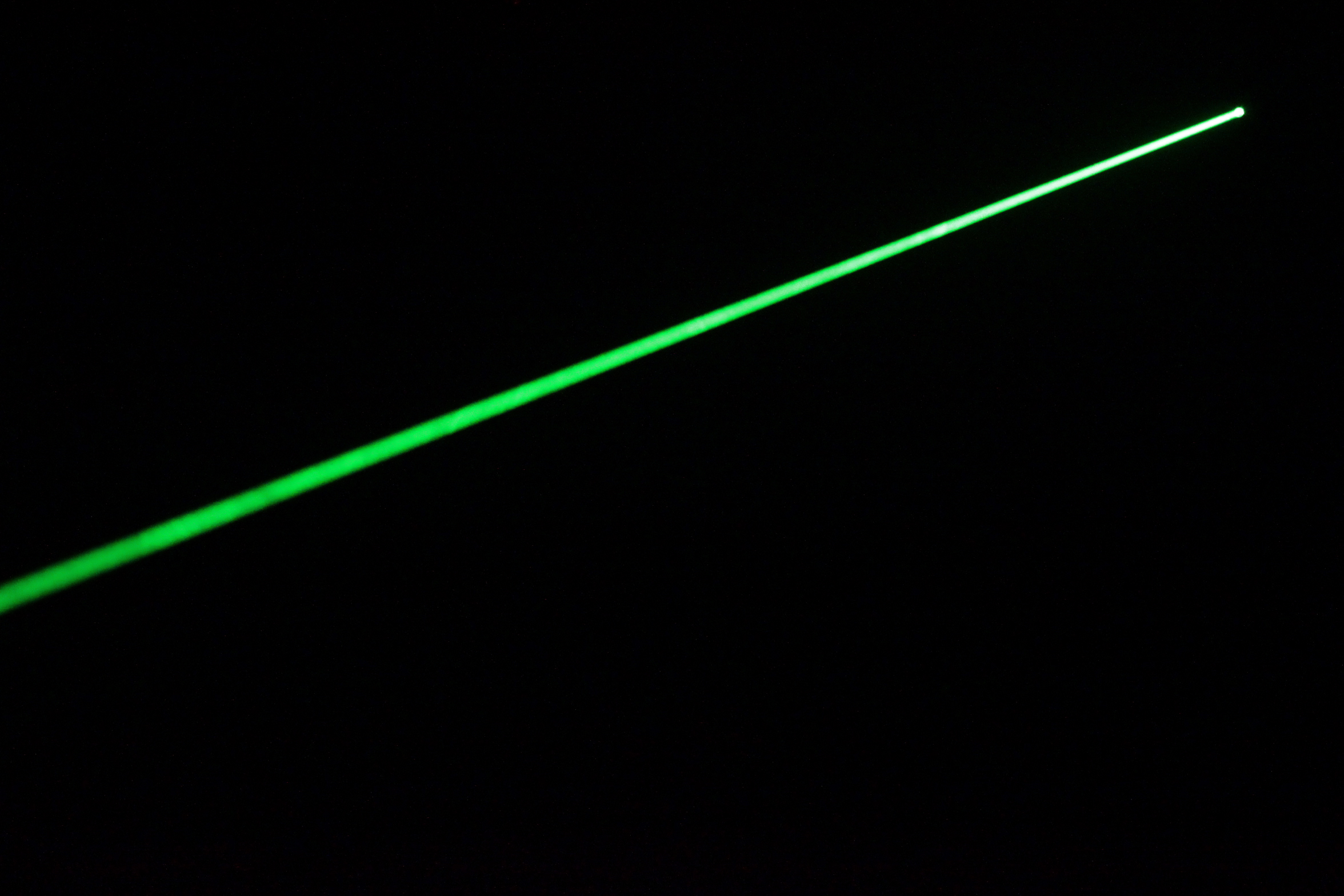 High Quality 200mw Green Laser Pointer With Silver Color
